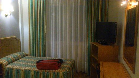 Hotel Rio Cabia: Habitaciones con televisiones planas