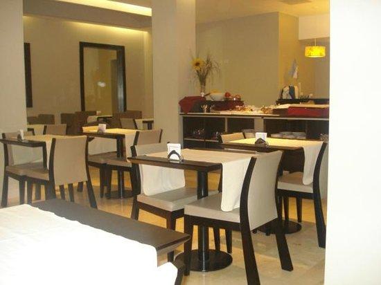 Hotel Napoleon : area de refeiçoes