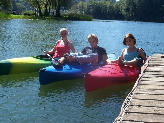 Loon Lake Lodge & RV Resort: kayaks