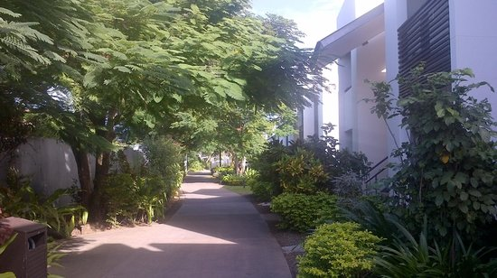 Hilton Fiji Beach Resort & Spa: Pathway