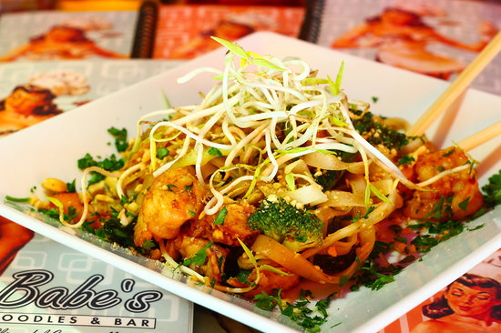 Babe's Noodles and Bar: Pad Thai