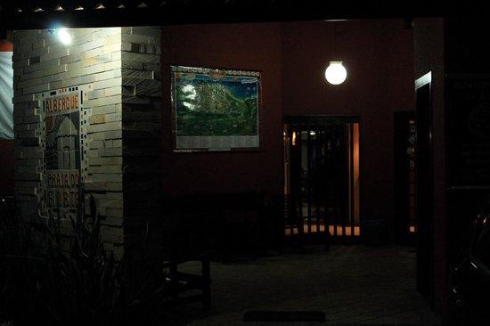 Praia Do Forte Hostel: Entrada