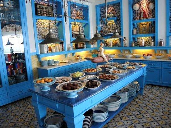 Cooking Vacations Italy: Il Riccio's dessert bar.