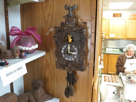 Wilbur Chocolate Co. : Chocolate Cuckoo Clock