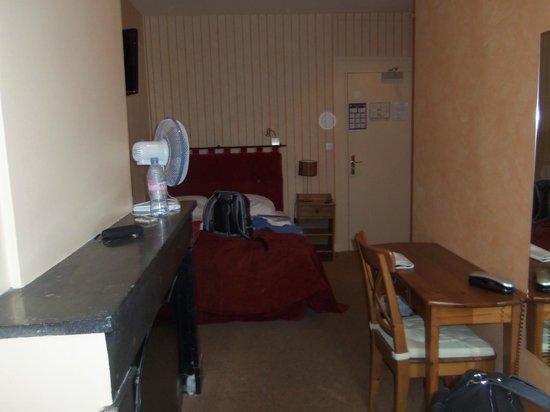 Hotel du Theatre : Room