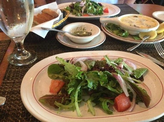 Cesare's At The Beach : House salad and bread