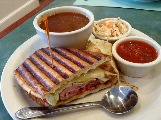 Turning Point: Sandwich combo with turkey chili and pavo cubano