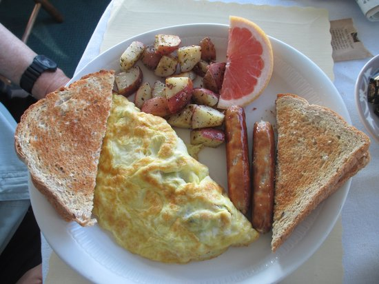 Country Club Inn: Breakfast