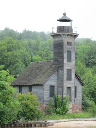 Glass Bottom Shipwreck Tours: Grand Island East Channel Lighthouse (part of the tour)