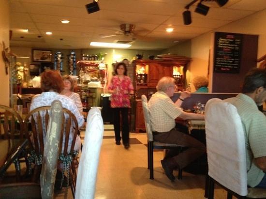Tara Thai: Inside dining