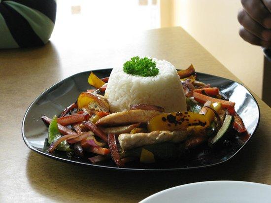 Bunker's: Chicken Stir Fry Dish - Delicious