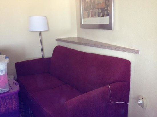 Comfort Inn & Suites: is this supposed to be a shelf?