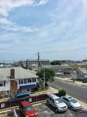 Econo Lodge - Seaside Heights / Toms River: View from 3rd floor balcony