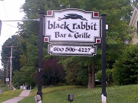 Black Rabbit Bar & Grill: Attractive sign and exterior
