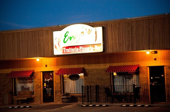 Enzos Pizzaria and Italian Cafe : Enzos at dawn