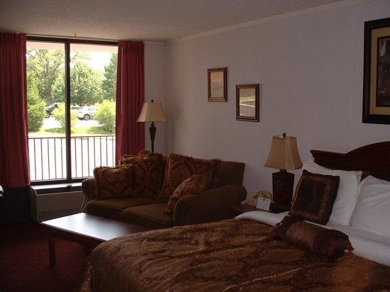Branson Yellow Rose Inn and Suites : Comfortable suite