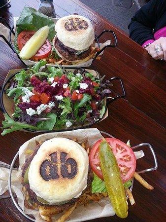 Diablo Burger: Hamburger (top), Salad, vegetarian burger
