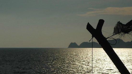 Manzanillo Bay: ATARDECIENDO  EN EL MAR