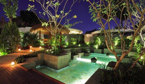 delMango Villa Estate: Open-style Living Balinese Central Garden