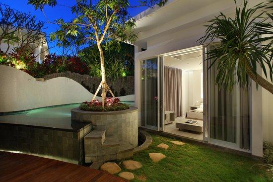 delMango Villa Estate: Two-Bedroom Villa with Garden and Pool
