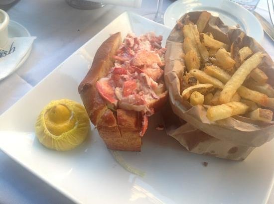 Lobster roll to die for picture of atlantic fish for Atlantic fish company boston