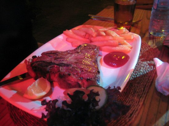 Tambarina Guest House & Restaurant: Steak and Chips