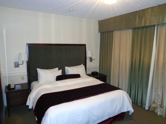 Delta Hotels by Marriott Edmonton Centre Suites: Delta Edmonton-Centre Suite Hotel