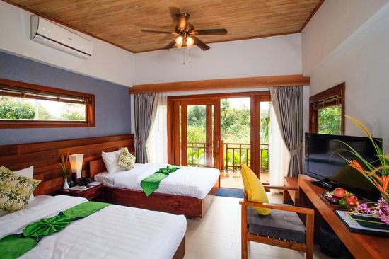 Mayura Hill Hotel & Resort