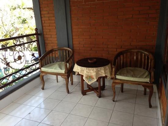 Pande Permai Bungalows: balkon