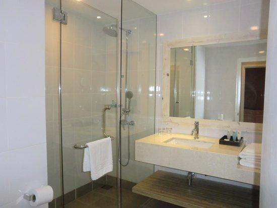 Colmar Tropicale, Berjaya Hills: Bathroom