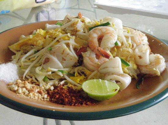 White Orchid : Thai Noodles with Shrimp