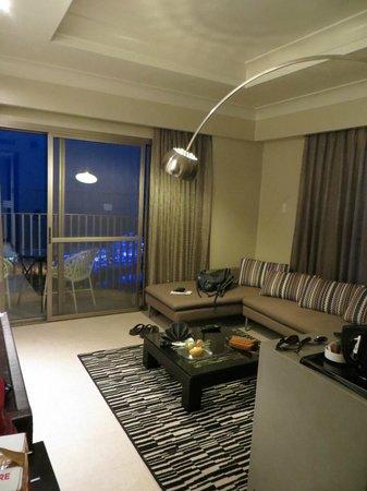 Mövenpick Hotel Mactan Island Cebu: On-suite living room