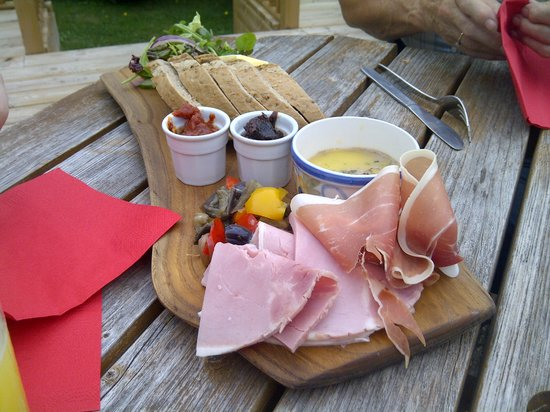 The Barley Mow: Platter of meats