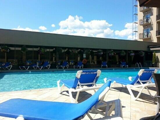 Coast Capri Hotel Kelowna: la piscine