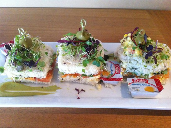 Millennium Hotel Queenstown: Copthorne morning tea (gluten free sandwiches)