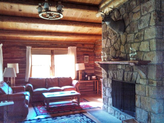 "Eatons' Ranch: Inside ""The Lodge"" Cabin"