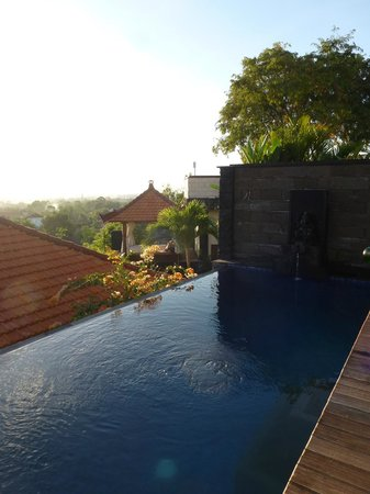 Jimbaran Cliffs Private Hotel & Spa: View of and from private Pool