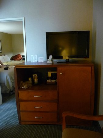 Best Western Royal Palace Inn & Suites : Separate area w/additional TV