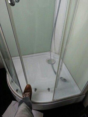 Graaf van Vlaanderen : porte de douche hs
