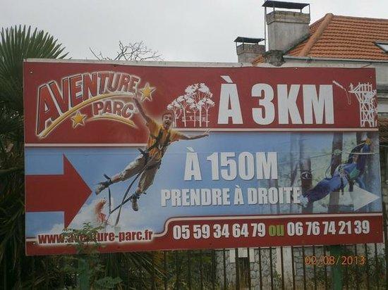 Aramits, فرنسا: Attention, pas d'élastique malgré le panneau.