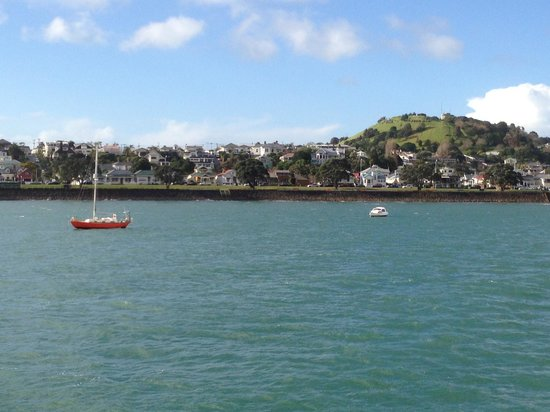 Admirals Landing Bed & Breakfast: View from Ferry Ride to Devonport