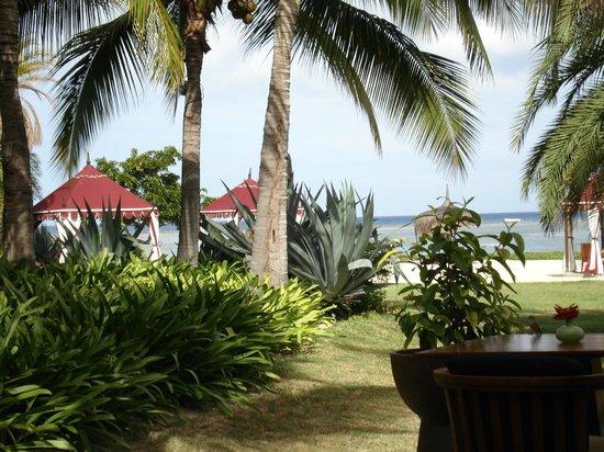 Maradiva Villas Resort and Spa: Vue depuis le bar