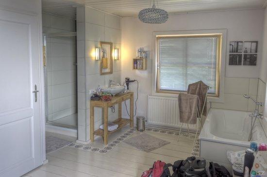 Hotel30: Room 1