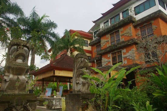 Suly Vegetarian Resort & Spa: Hotel buildings