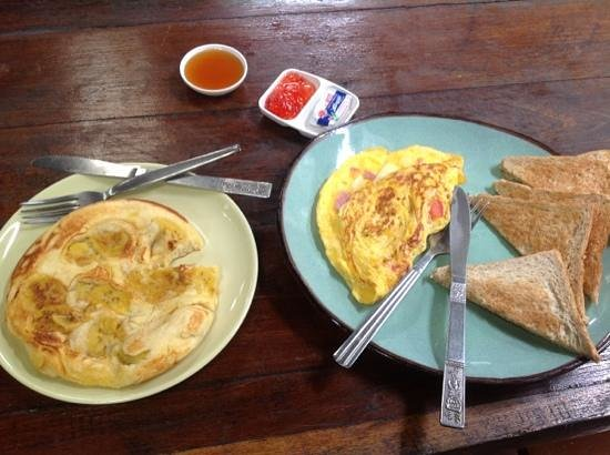 Parami Guesthouse : Delicious Breakfast! Banana Pancake! YUM