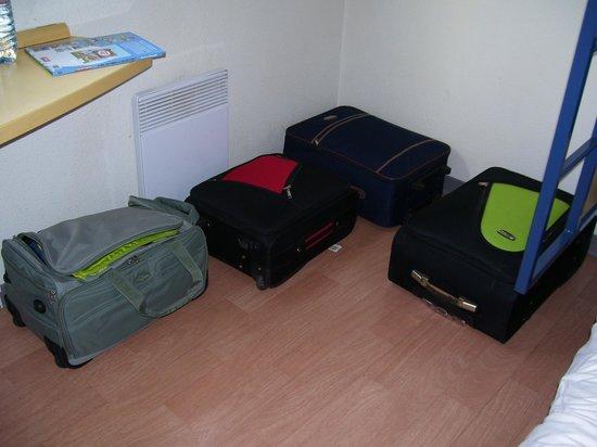 Ibis Budget Clermont Ferrand Nord Riom : spazio per i bagagli