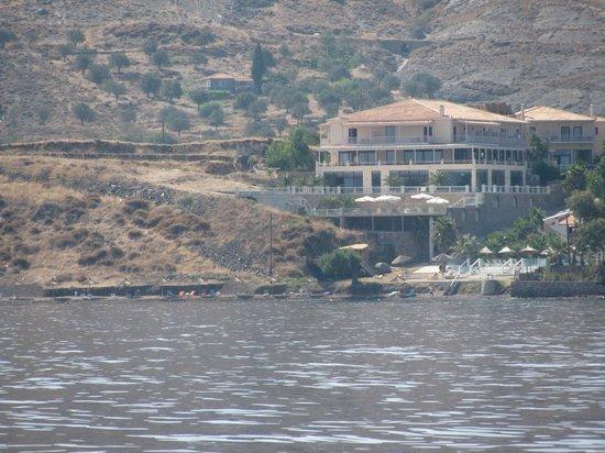 Viva Mare Hotel: hôtel et plage vu de la mer
