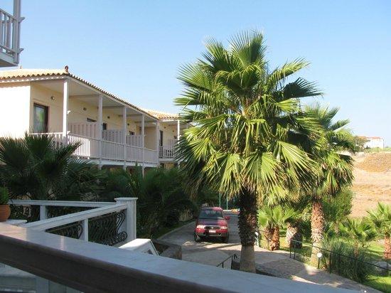 Viva Mare Hotel: vue des chambre côté gauche
