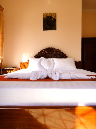 Kampot Riverside Hotel: Deluxe Rooms