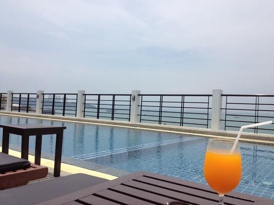 Sea Me Spring Too Hotel: Rooftop pool